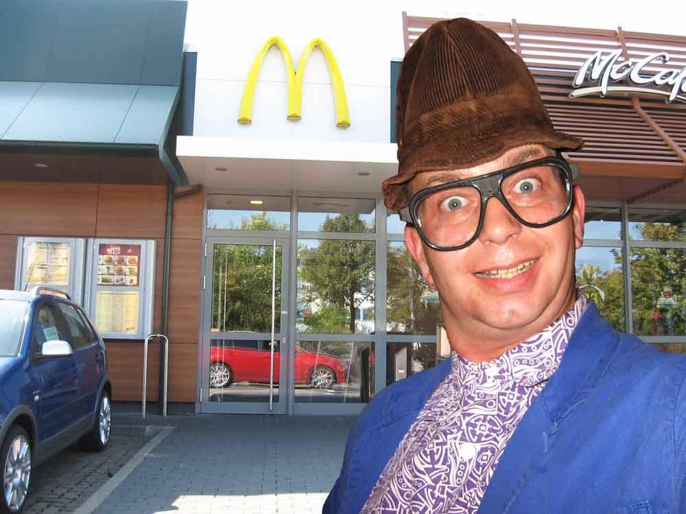 Comedy-Alleinunterhalter Hausmeister Kalle zur Firmenfeier einer Mc Donalds Filiale in Weißenfels