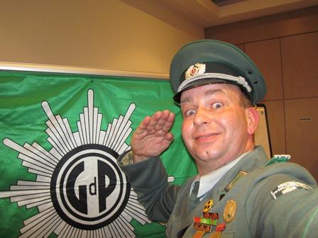 DDR Comedy mit Volkspolizist bei Tagung der Gewerkschaft der Polizei Sachsen-Anhalt