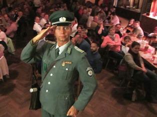 DDR Comedy mit Volkspolizist